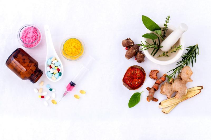 Chữa sùi mào gà bằng phương pháp đông – tây y kết hợp